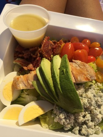 Trump International Hotel Las Vegas: Cobb Salad @ the Pool
