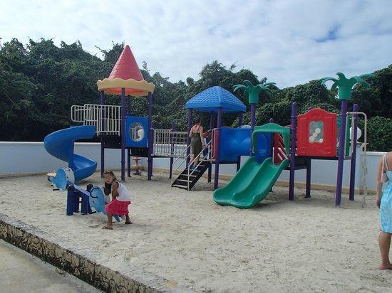 Plaza La Estrella : Plaza de juegos