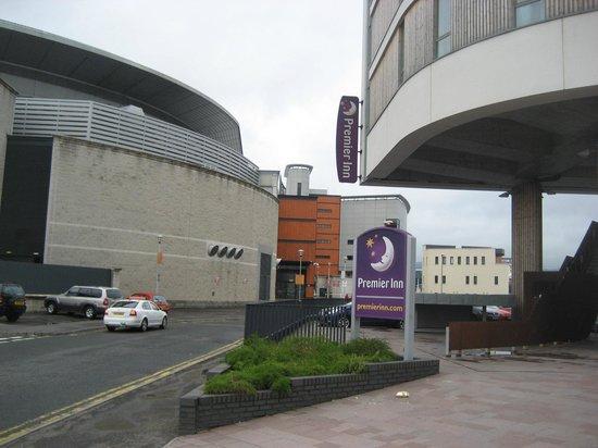 Premier Inn Belfast Titanic Quarter Hotel: Sign