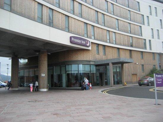 Premier Inn Belfast Titanic Quarter Hotel: Entrance