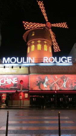 Moulin Rouge: Fun show but go early!