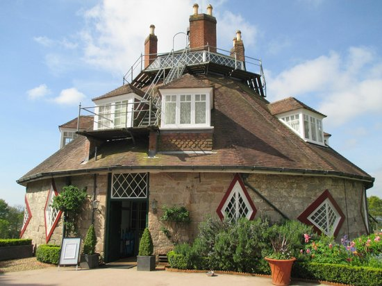 The Imperial Exmouth Hotel: A La Ronde