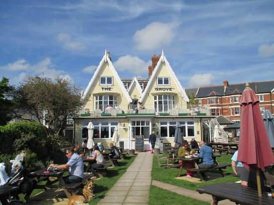 The Imperial Exmouth Hotel: The Grove pub