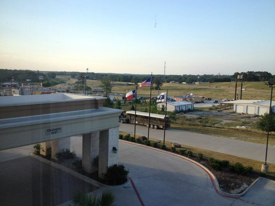 Hampton Inn & Suites Buffalo: Vista para a I-45