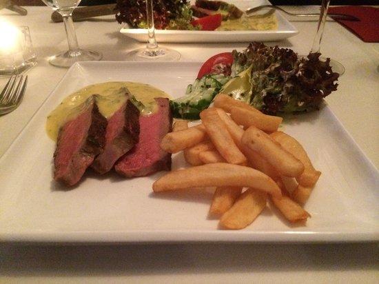 Pieter Pourbus : Steak, pommes frites and bearnaise sauce! Delicious!