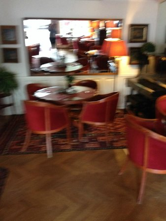 Amsterdam House Hotel : comfy dining