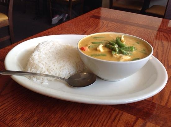Thong Thai: Panang curry with chicken (lunch)