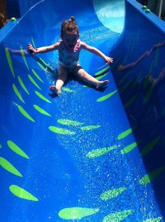 Lanzasur Club : little slide at splash park