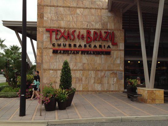 Texas de Brazil: Outside restaurant