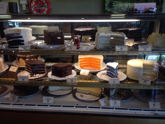 Pheasant Hill: Cakes galore!