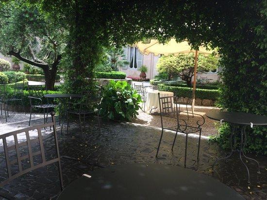VOI Donna Camilla Savelli Hotel : the garden