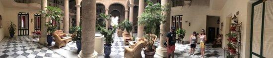 Hotel Florida: Hall