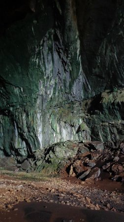 Mulu Caves : The hall in Deer Cave