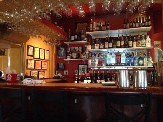 Paravicini's: Bar area.