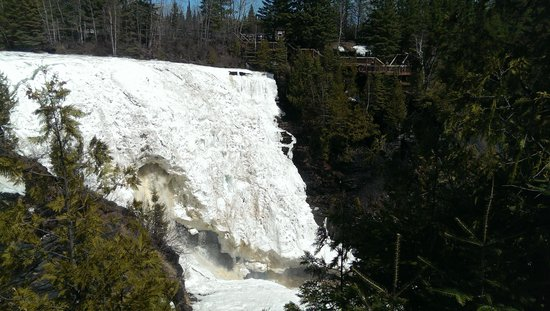 Kakabeka Falls: Frozen falls in the end of April 2014