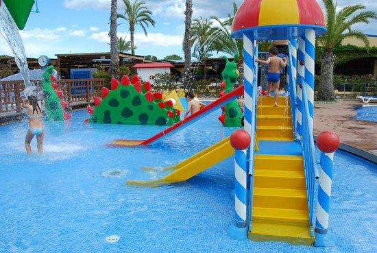 Fantastica Piscina Picture Of Stel Camping Bungalows Resort Roda De Bara Tripadvisor