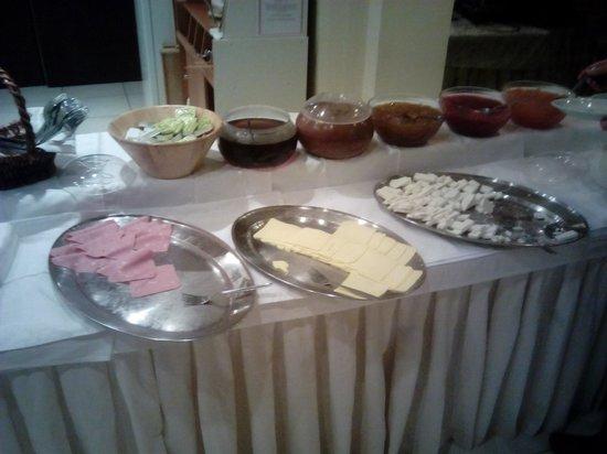 Mari-Kristin Hotel: open buffet