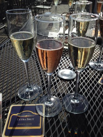 Gloria Ferrer Champagne Caves : Triple the fun.