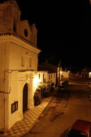 Amalurra Granada: Iglesia del pueblo - Vistas desde la habitación