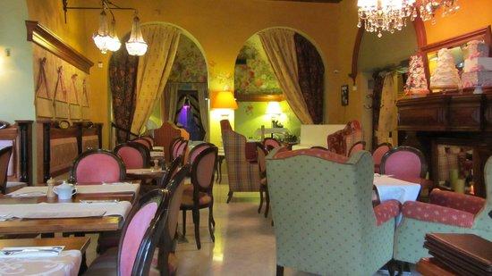 The Bonerowski Palace : Breakfast room