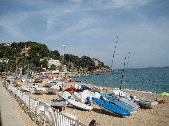 Aqua Hotel Bertran Park : Пляж