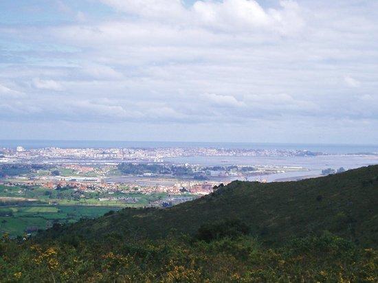 Posada Cabarceno: Vistas a Santander desde Cabarceno