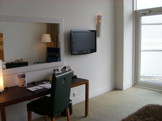 The St. David's Hotel: Poorly thought out TV position