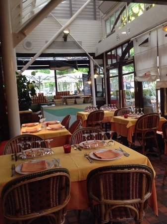 Restaurant Chez Yvette : Внутри