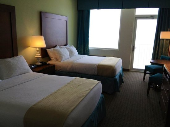 Holiday Inn Resort Pensacola Beach: Typical room (1105)
