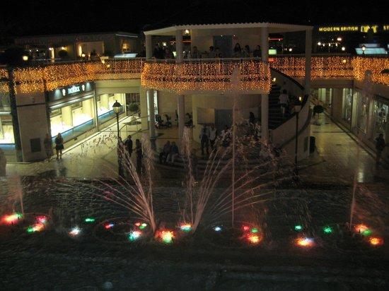 Light and Music Fountain : фонтан