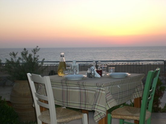 Panorama Tavern Falasarna: 30 minutes before the sunset