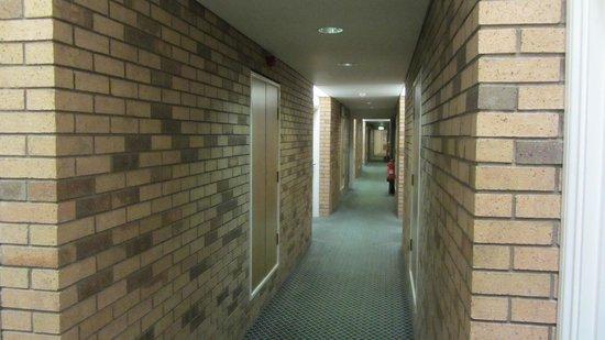 Hilton Edinburgh Airport : Corridor