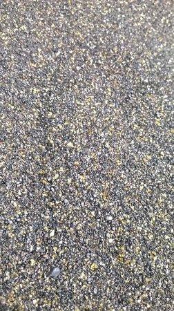 Playa de la Arena : черный песок