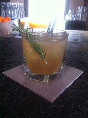 Le Mini Palais : amazing cocktail with romarin