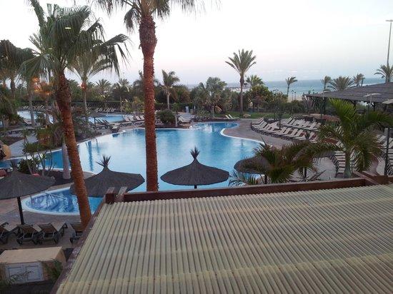 Barceló Fuerteventura Thalasso Spa: Une des deux piscines