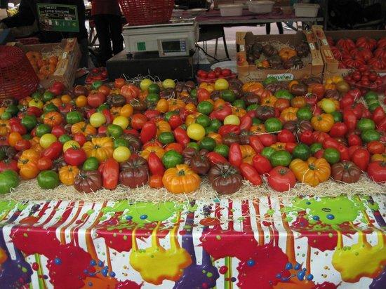 Marché aux Fleurs Cours Saleya: Tomatenvielfalt
