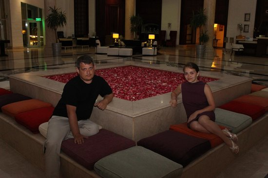 Premier Le Reve Hotel & Spa (Adults Only) : в центре холла