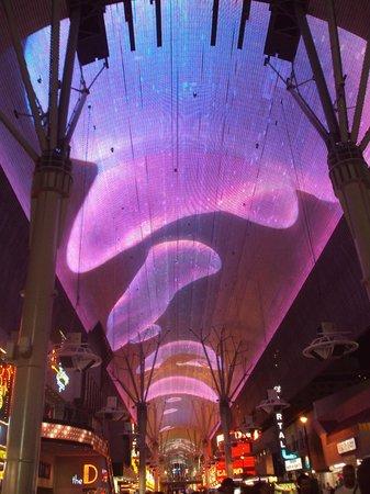 Fremont Street Experience : Une superbe technoligie d'animation