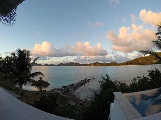 Cocobay Resort : View from the porch at sunset