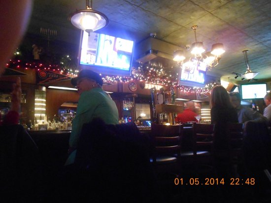 Pizano's Pizza & Pasta: The bar