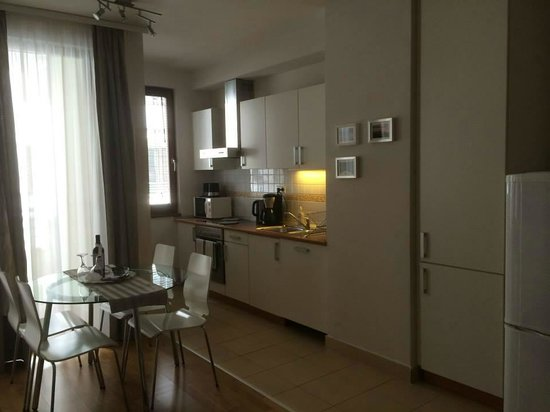 7Seasons Apartments Budapest: kitchen