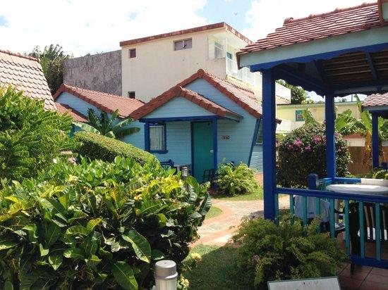 Hotel Bambou : Vue d'un Bungalow