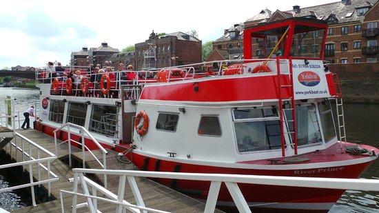 City Cruises York: The boat