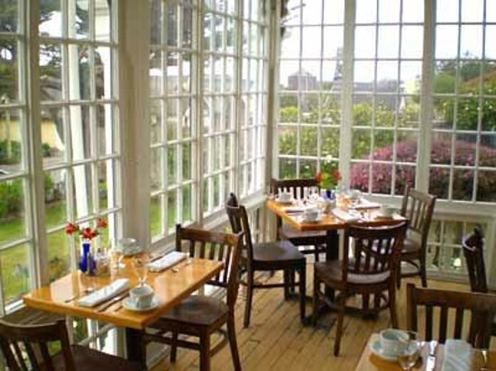 Maccallum House Restaurant Sunroom
