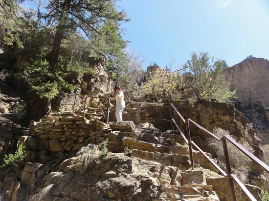 Hanging Lake Trail : Stairs near top of hike