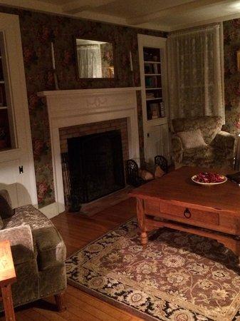 The Black Boar Inn : Shared living room