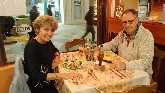 Tradiciones Del Lago: Salad for me and pizza for him