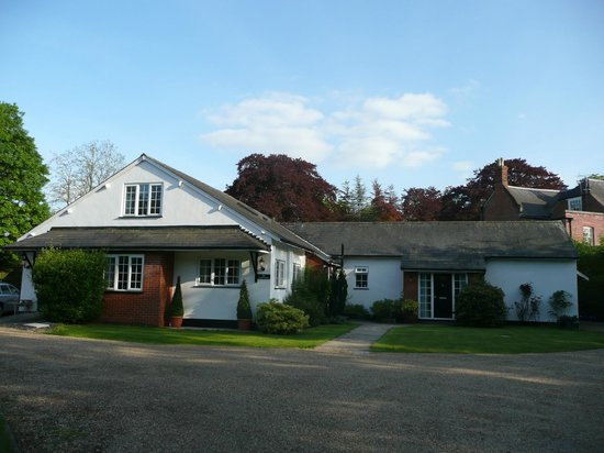 The Coach House from the driveway