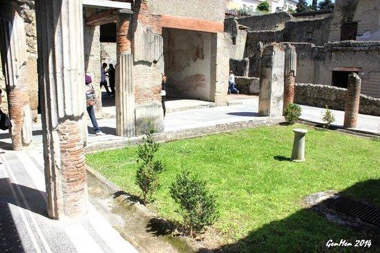 Ruins of Herculaneum : Che spettacolo!