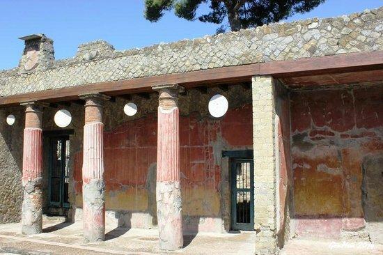 Ruins of Herculaneum: Casa di Telefo